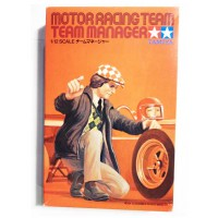 1/12e Tamiya Motor Racing Team Manager (1975)
