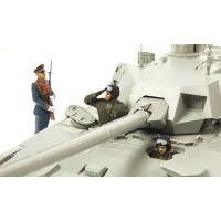 1/35e Zvezda Equipage Char Russe Parade